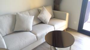 For RentCondoSukhumvit, Asoke, Thonglor : ยูนิตสองห้องนอน ราคาพิเศษ พร้อมมอบ cashback 5,000 บาท line id: Sutathip_realtor4289