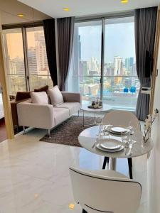 For RentCondoNana, North Nana,Sukhumvit13, Soi Nana : Ready move in near BTS Nana! Condo for rent Hyde Sukhumvit 11 Type 2 bedroom 2 bathroom 53 sq.m. Floor 15