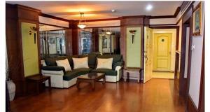 For RentCondoRatchadapisek, Huaikwang, Suttisan : Condo for rent Prasertsuk Place, 8th floor, size 2 bedrooms, beautiful room, teak floors throughout the room, near MRT Ratchada