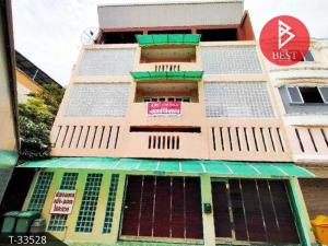 For SaleShophouseNakhon Pathom, Phutthamonthon, Salaya : 3-storey commercial building for sale, Phutthamonthon 5 Road, Sampran District, Nakhon Pathom Province.