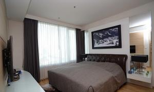 For SaleCondoSathorn, Narathiwat : Condo for sale, The Empire Place, size 99 Sq.m, 2 bed 2 bath, price only 13 MB !!