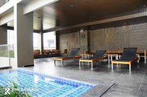 For SaleCondoSukhumvit, Asoke, Thonglor : Corner Room Best Price! 20+ High Floor Condo for Sale Near BTS Phrom Phong - Noble Refine @8.35MB