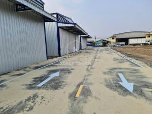 For RentWarehouseRangsit, Patumtani : Warehouse for rent near Thai market, Khlong Nueng Subdistrict, Khlong Luang District, Pathum Thani Area 300 sq.m.