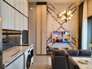 ขายคอนโดอ่อนนุช อุดมสุข : ขายพร้อมผู้เช่า The Line Sukhumvit 101 1 ห้องนอน 33 ตร.ม. ชั้นสูง วิวเมือง พร้อมเฟอร์นิเจอร์ Built in แต่งสวยพร้อมเข้าอยู่ เจ้าของขายเอง