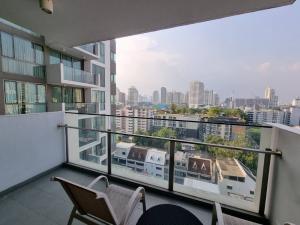 เช่าคอนโดสุขุมวิท อโศก ทองหล่อ : Aequa Sukhumvit 49 Condo for rent : 2 bedrooms 2 bathrooms for 92 sqm. on 12nd floor.Decorated by the Modern Classic Japanese Style.With fully furnished and electrical appliances.Just 550 m. to BTS Thonglo , 850 m. to BT
