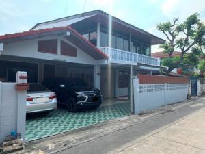For RentHouseRatchadapisek, Huaikwang, Suttisan : House for Rent at Soi 20 Mituna Intersection 6 near MRT Suttisarn