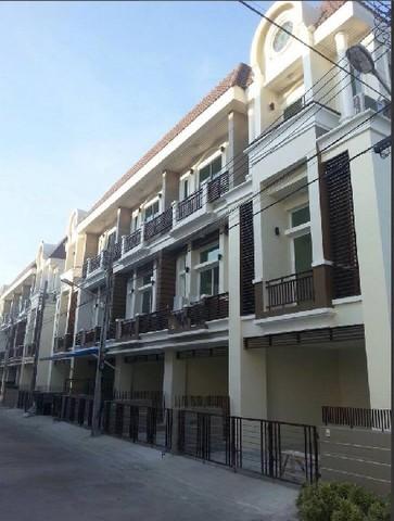 For RentTownhouseLadprao101, The Mall Bang Kapi : RT554ทาวน์โฮม 3 ชั้น 3 ห้องนอน 4 ห้องน้ำ พรีเมี่ยมเพลส ซอยโพธิ์แก้ว นวมินทร์ – ลาดพร้าว 101