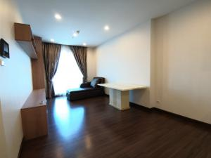 For RentCondoSathorn, Narathiwat : Condo for rent at Supalai Lite Sathorn-Charoenrat, 15th floor, studio room with kitchen, balcony, fully furnished and electrical appliances. ready to move in