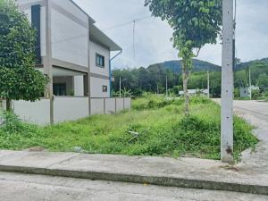 For SaleLandHatyai Songkhla : Hot sale!! Land  Nam Noi, Hat Yai, in the village, suitable for building a house, arranged as a lock, a very beautiful corner plot