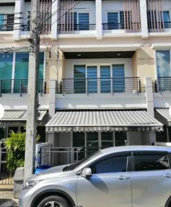 For RentTownhouseLadprao, Central Ladprao : BH1090 3-storey townhome for rent, 3 bedrooms, 3 bathrooms, Baan Klang Muang, Lat Phrao Sena, near Wang Hin Intersection. Kaset Nawamin Road Central Eastville