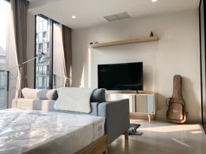 For RentCondoWitthayu,Ploenchit  ,Langsuan : For rent, very cheap! Noble Ploenchit 1bed 45 sq,m, beautiful room, high floor, very urgent!