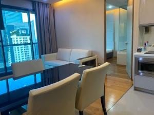 For SaleCondoSathorn, Narathiwat : Hot Deal!!! For Sell The Address Sathorn 2 bedrooms 65.87 sqm. High Floor