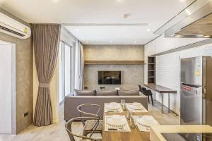 For SaleCondoRatchathewi,Phayathai : 🌟Pathumwan Resort for sell 2 bedroom 2 bathroom 60 sq.m. price 9.5MB Style modern lofts Fully furnished, Ready move in near BTS Phayathai!🌟