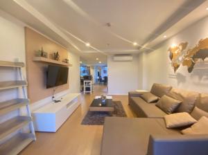 เช่าคอนโดนานา : ปล่อยเช่า ห้องใหญ่สุด! คอนโด 15Sukhumvit Residence 3ห้องนอน 45,000 ครัวใหญ่ เฟอร์ครบ นัดดูห้องจริงได้ทุกวันค่ะ