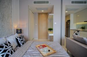 For RentCondoNana, North Nana,Sukhumvit13, Soi Nana : @condorental for rent Hyde Sukhumvit 11, beautiful room, good price, ready to move in!!