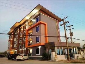 ขายขายเซ้งกิจการ (โรงแรม หอพัก อพาร์ตเมนต์)พิษณุโลก : ขายอพาร์ทเมนต์ ขนาด 32 ห้อง พร้อมที่ดิน ใกล้สี่แยกอินโดจีน เมืองพิษณุโลก ราคาเหมือนขายที่ดินเปล่าแถมตึกให้ฟรี
