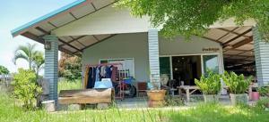 For SaleHouseUbon Ratchathani : House and land for sale, 762 sq wa, Ban Nong Mek, Hua Ruea Subdistrict, Mueang Ubon Ratchathani. Suitable for mixed farming