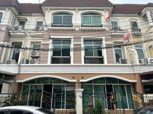 For RentTownhouseRamkhamhaeng, Hua Mak : 3-storey townhome for rent, Saranpruek Village, Lat Phrao 130, size 23 sq.wa. (3 bedrooms), usable area 210 sq.m.