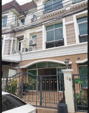 For RentTownhouseLadprao101, The Mall Bang Kapi : 3-storey townhome for rent, Saranpruek Village, Lat Phrao 130.