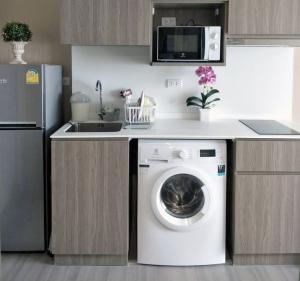 For RentCondoPinklao, Charansanitwong : Room for rent at The Parkland Charan-Pinklao Condominium 24 Sqm.