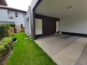 For SaleHousePattanakan, Srinakarin : Brand new house in Burasiri Pattanakarn for sale