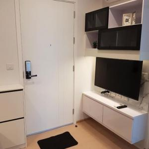 เช่าคอนโดสุขุมวิท อโศก ทองหล่อ : (Owner post)ให้เช่าคอนโด 1 ห้องนอน เดอะทรี สุขุมวิท 71 ชั้นสูง แต่งสวย