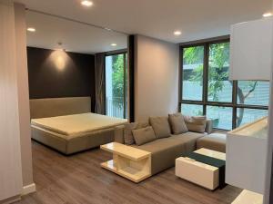 For SaleCondoSukhumvit, Asoke, Thonglor : Condo for sale The Room Sukhumvit 40 The Room Sukhumvit 40 condo for sale