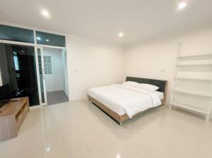 For RentCondoSukhumvit, Asoke, Thonglor : Condo for rent Saranjai Mansion fully furnished (Confirm again when visit).
