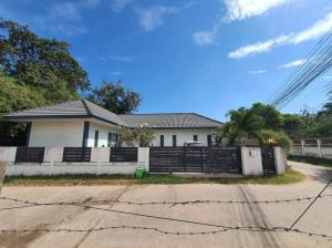 For SaleHouseUbon Ratchathani : Beautiful house, good location, easy access to the city with all 4 lane roads, Ubon Ratchathani