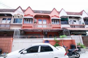 For SaleTownhousePinklao, Charansanitwong : Townhouse for sale, Somchai Village, Tha Phra, Charansanitwong Soi 3, with a bedroom on the ground floor. Built-in decoration, near MRT