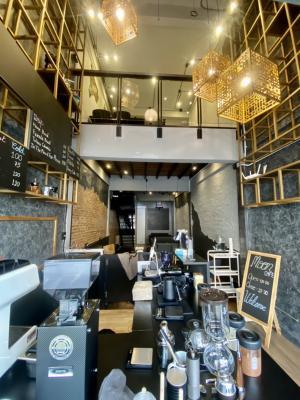 เช่าพื้นที่ขายของ ร้านต่างๆสยาม จุฬา สามย่าน : ปล่อยเช่าตึก ร้านอาหาร คาเฟ่ co-working space โรงเรียนกวดวิชา ออฟฟิศ @จุฬา ซอย 11 จอดรถได้จำนวนมาก📍พิกัด (Location)จุฬา ซอย 11 แขวงวังใหม่ เขตปทุมวัน กทม