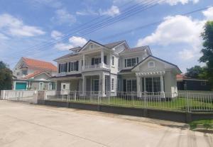 For SaleHouseEakachai, Bang Bon : Large detached house for sale, Golden Prestige Ekkai-Wongwaen, area 119. 80 sq m., new, never lived, next to the main road, beautiful house.