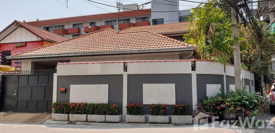 เช่าบ้านพัทยา บางแสน ชลบุรี : บ้านเดี่ยวให้เช่า 4 ห้องนอน ใน , พัทยา U898186