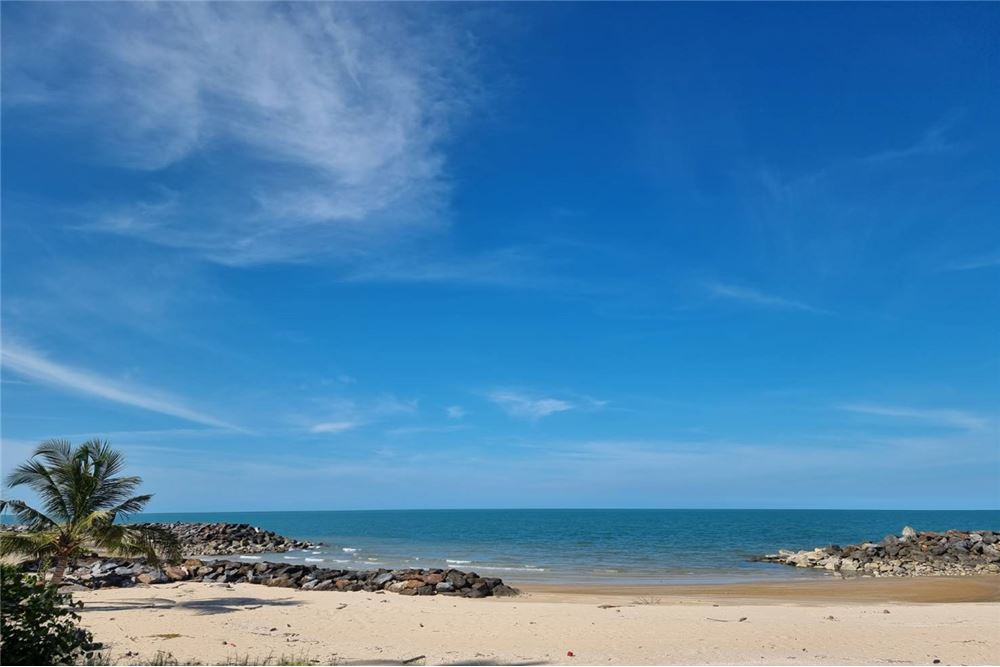 For SaleLandNakhon Si Thammarat : FOR SALE!! BEACH LAND IN SICHON, NAKHON SI