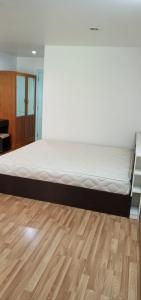 For SaleCondoLadprao, Central Ladprao : Urgent sale, cheapest in the Regent Home 12 condo project, Soi Ladprao 41. Pool view (S2253)