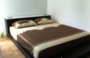 For RentCondoSilom, Saladaeng, Bangrak : Condo for rent Focus on Saladaeng (Silom), 2nd floor, spacious room, fully furnished, near BTS Saladaeng and MRT Silom