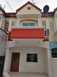 For RentTownhouseSamrong, Samut Prakan : Townhouse for rent, 2 floors, walk to the new train line, walk 20 meters to Srinakarin Road, Soi 29