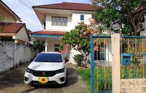 For RentHouseRamkhamhaeng,Min Buri, Romklao : ให้เช่า บ้านเดี่ยว2ชั้น 60ตรว. ทาสีใหม่สวย อยู่ถ.รามคำแหง150 โครงการธารารมณ์ เขตสะพานสูง  ให้เช่า14,000/เดือน