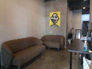 For RentHome OfficeOnnut, Udomsuk : Sale/Rent The Pride Sukhumvit 77 near BTS On Nut with lift, corner room.