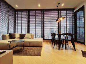 For RentCondoRama9, RCA, Petchaburi : Rent 2 bedrooms, 2 bathrooms, 60,000 baht / 1 year contract