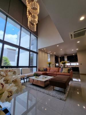For RentHouseRama9, RCA, Petchaburi : Luxury house for rent, Park Priva village , near Central Rama9, fully furnished, corner unit