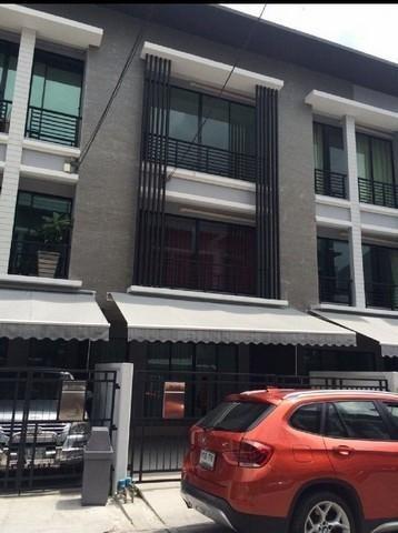 For RentTownhouseRamkhamhaeng, Hua Mak : BS197 3-storey townhome for rent, Baan Klang Muang Project, Rama 9 Soi Ramkhamhaeng 39. near Wat Thep Lila