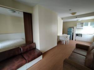 เช่าคอนโดพระราม 9 เพชรบุรีตัดใหม่ : ++ 1 ห้องนอน ใหญ่พิเศษ ขนาด 46 ตรม. ++ ห้อง Type นี้มีไม่มาก ++ ให้เช่าคอนโด เอ สเปซ อโศก-รัชดา / 11,000 บาท