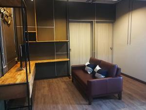 For RentCondoRatchathewi,Phayathai : Sell / rent Pathumwan Resort, room 90 sq.m., 3 bedrooms, sell 9.8 million, rent 28,000 baht.