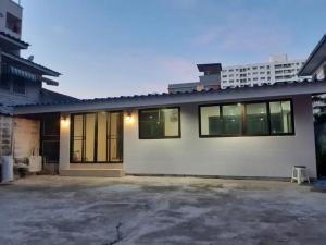 เช่าบ้านลาดพร้าว71 โชคชัย4 : RHT554ให้เช่าบ้านเดี่ยวชั้นเดียว เนื้อที่ 72ตารางวา4ห้องนอน  เหมาะทำออฟฟิศหรือพักอาศัยซอยลาดพร้าว64