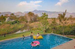 ขายบ้านโคราช เขาใหญ่ ปากช่อง : ขายบ้าน Pool Villa เขาใหญ่ วิวเขาสวย