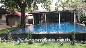 For RentHouseSukhumvit, Asoke, Thonglor : Private Pool House 5+1 Bedroom For Rent BTS Ekkamai in Sukhumvit Bangkok (AA22860)