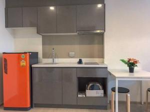For RentCondoRama9, RCA, Petchaburi : Condo for rent Rhythm Asoke 2 BA21_07_072_02. electrical appliances Fully furnished, price 14999 baht
