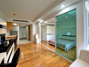For RentCondoSilom, Saladaeng, Bangrak : Cosy 1 bedroom apartment for rent at BTS Saladaeng and MRT Silom