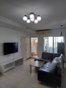 For RentCondoPattanakan, Srinakarin : Condo for rent Supalai Park Srinakarin BA21_07_136_05 beautiful room, furniture, electrical appliances, price 8,999 baht